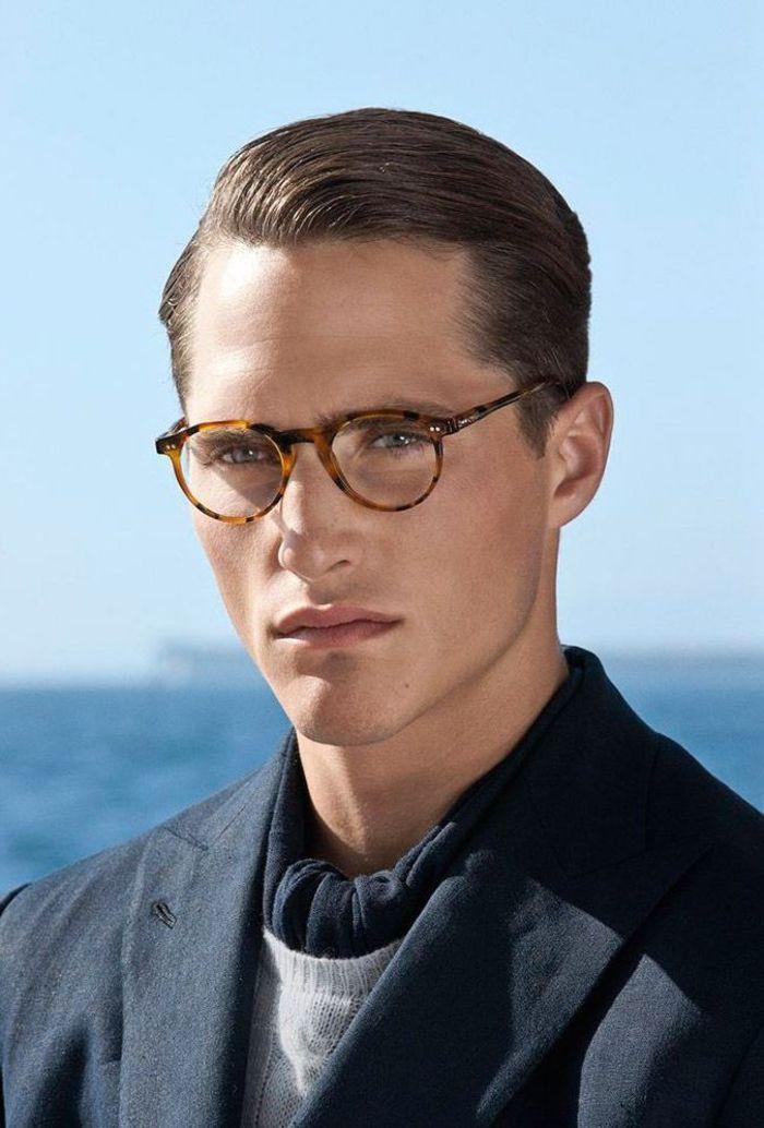 Idée Coiffure : une coiffure homme d'affaire élégante et chic de style slicked back avec d ...