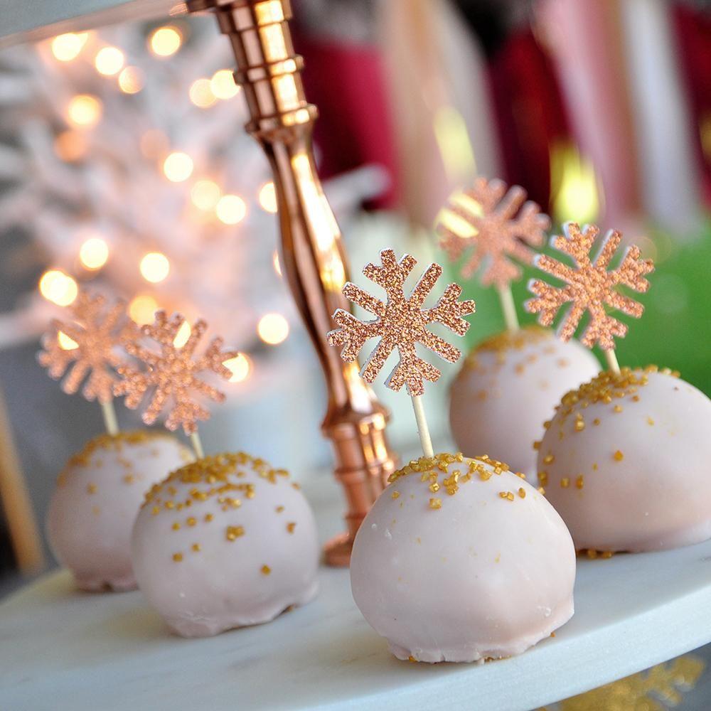 Winter Wonderland Cupcake Toppers (20 Stück). Versandfertig in 1-3 Werktagen. Baby, es ist kalt außerhalb Schneeflocke Picks. Vorspeisen-Picks.   – Moms Rose Winterland Birthday 2019