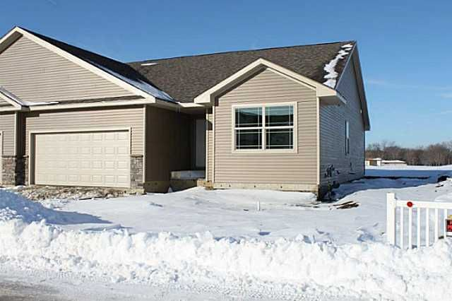 56 Se Sugarberry Ln, Pleasant Hill, IA 50327. 3 bed, 2 bath, $201,400. This 3 bedroom 2 bat...