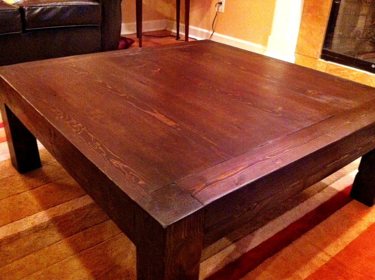 """Plans to build an """"Apple Store Coffee Table"""" would love to do this"""