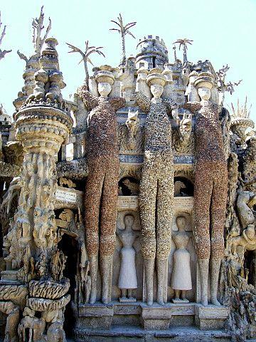 Palais idéal du facteur Cheval - Les trois géants