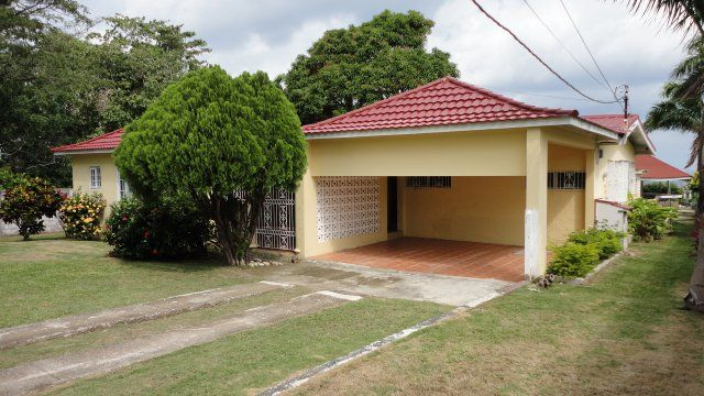 House For Lease Rental In Tower Isle St Ann Jamaica Propertyads Jamaica Renting A House House For Lease Rental Homes Near Me