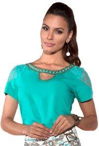 6b4d069c65 blusa verde tiffany manga curta renda decote vazado bordada via tolentino  viaevangelica frente detalhe