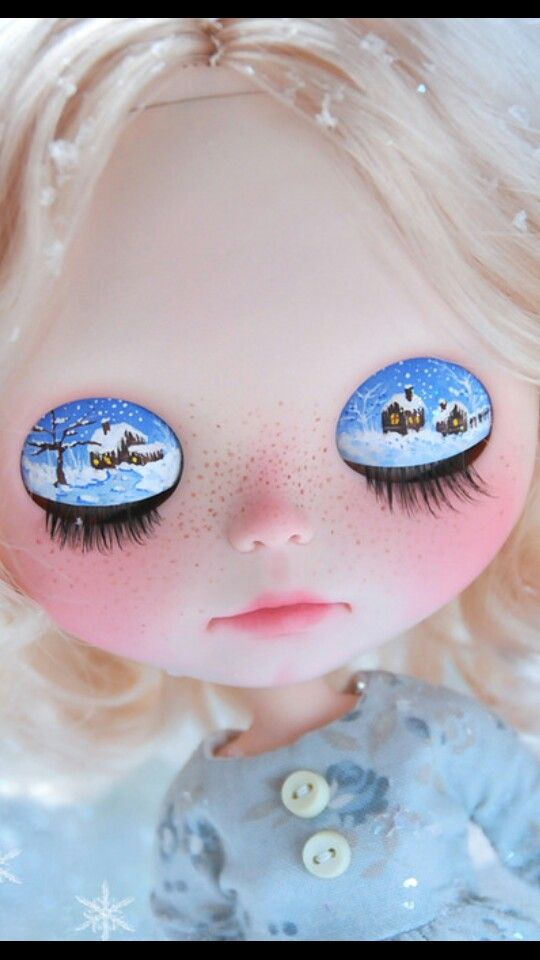Eyelids christmas scence