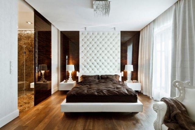 Fesselnd Luxus Schlafzimmer Weiß Braun Holzboden Glas Schiebetür Bad