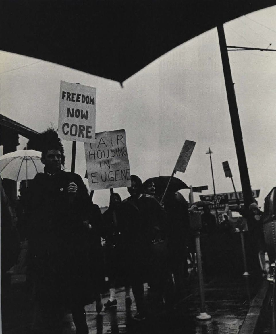 Protests Outside Of Mac Court During George Wallace S Speech 1964 From The 1964 Oregana University Of Oregon Year University Of Oregon Yearbook The Outsiders