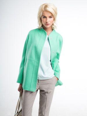 Трендовая куртка прямого силуэта из шелковистой ворсовой ткани с цельнокройным воротником-стойкой, втачным рукавом и накладными карманами. Застежка на пришивные кнопки. Модель имеет декоративную планку и тамбурные строчки.  Универсальная вещь в гардеробе современной успешной женщины., арт. 3043960p00048, состав: Основная ткань: шерсть 75 %, акрил 20 %, кашемир 5 %; Подкладка: полиэстер 55 %, вискоза 45 %;