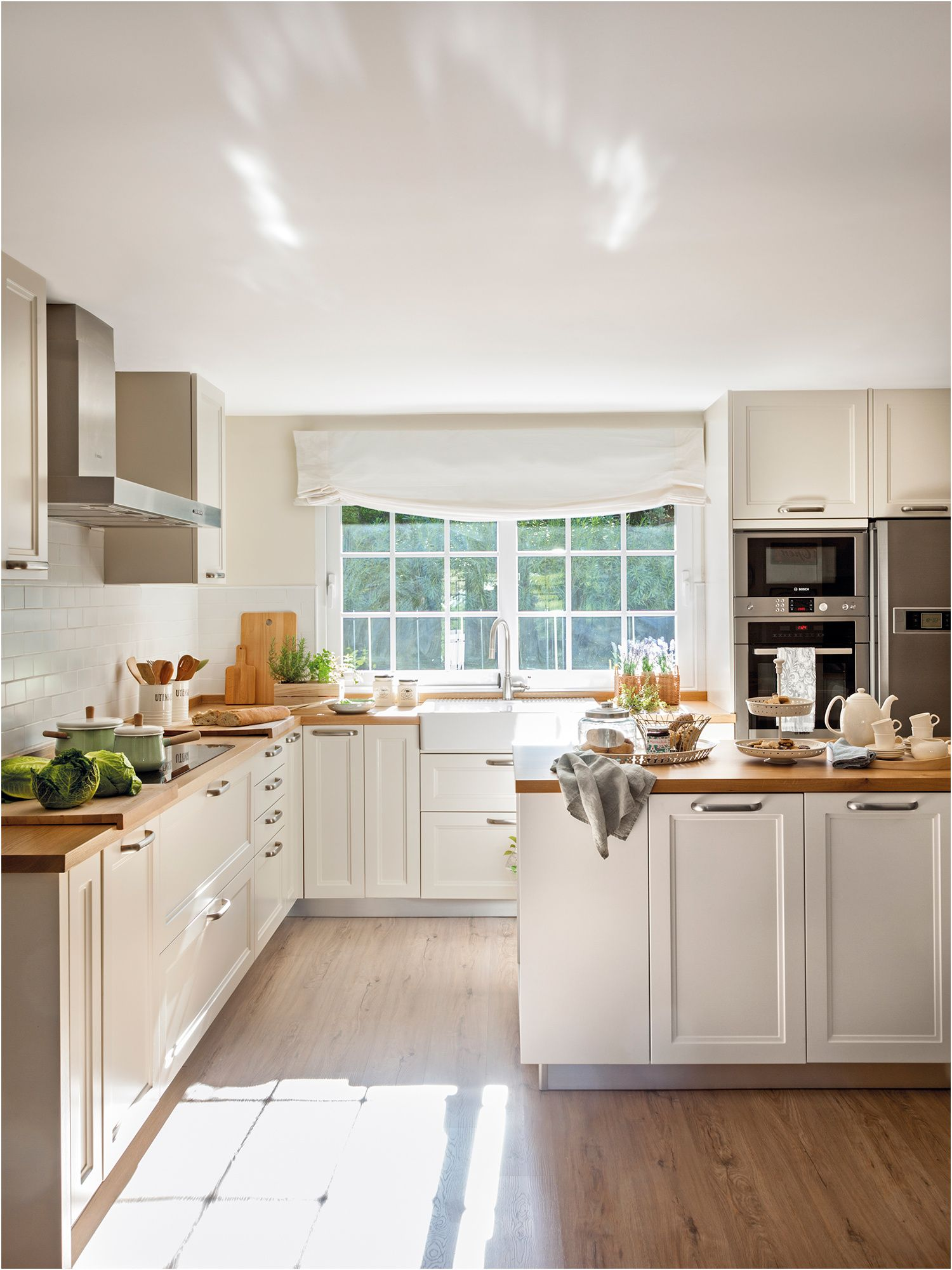 16 Pascher Cocina Blanca Encimera Beige Imagen Cocinas De Casa Diseno Muebles De Cocina Cocina Blanca Y Madera