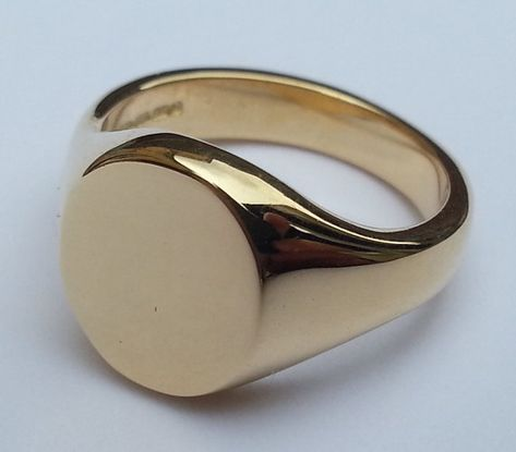 Beautiful Plain Oval Face Signet Ring – Available in Silver, Gold or Platinum – Engraving Available