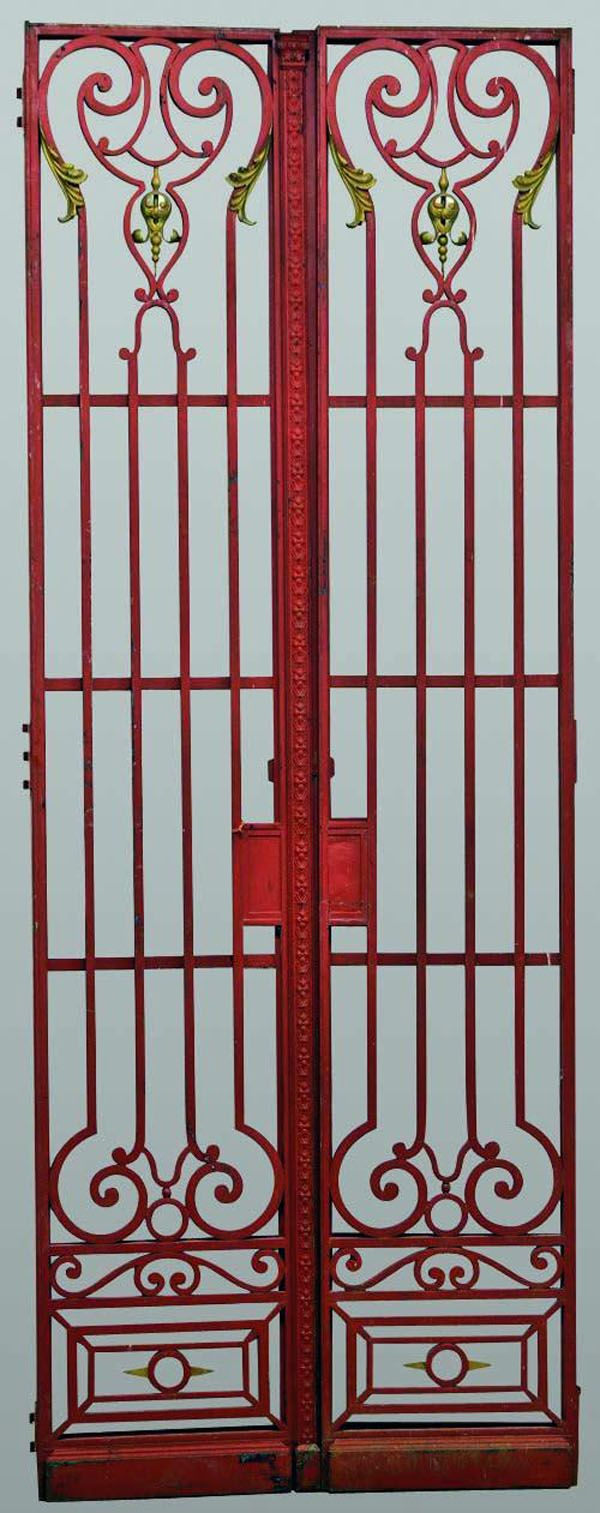 Pair Of Red Painted Cast Iron Gates Hekken Deuren Poort