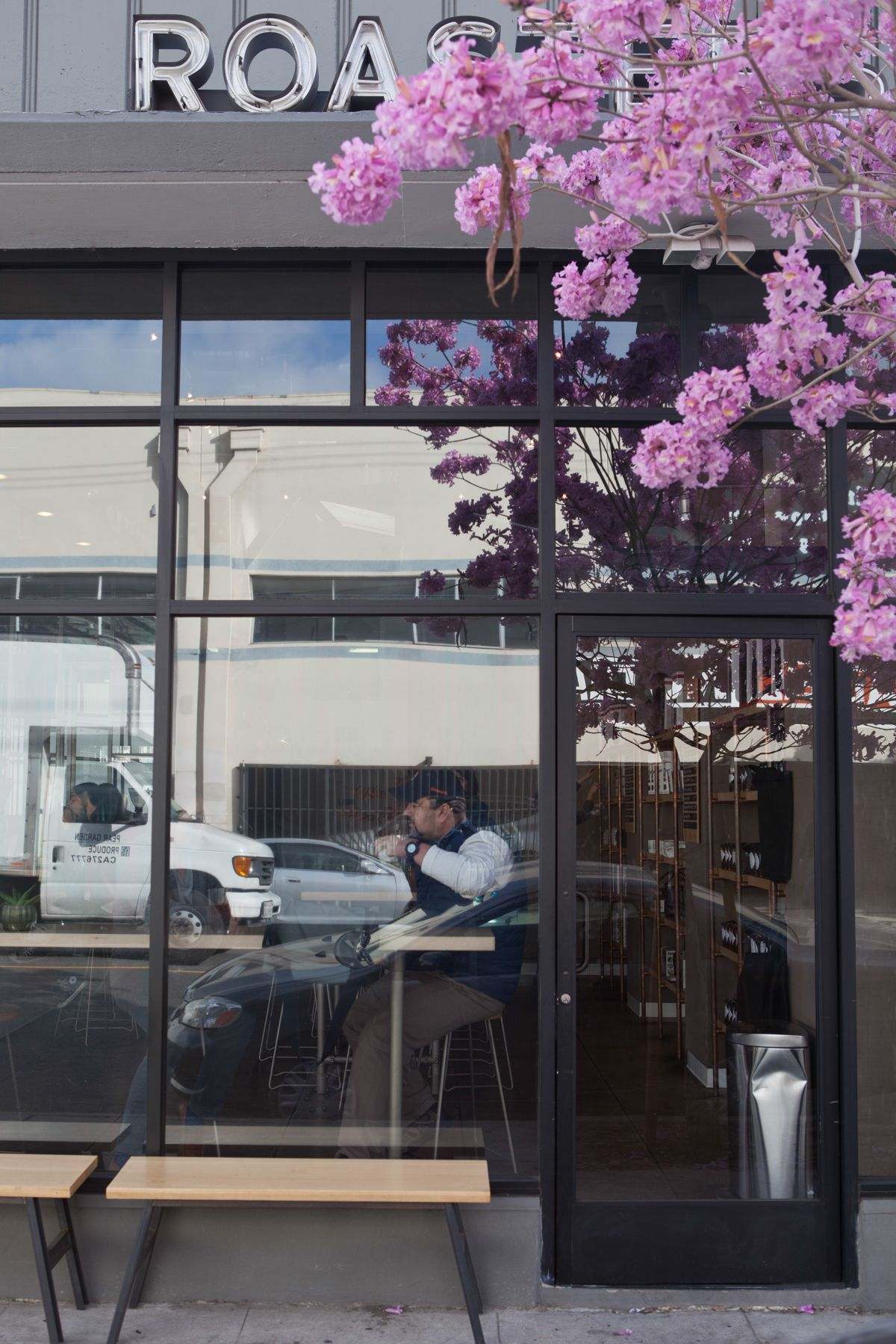 Los Angeles: Handsome Coffee Roasters