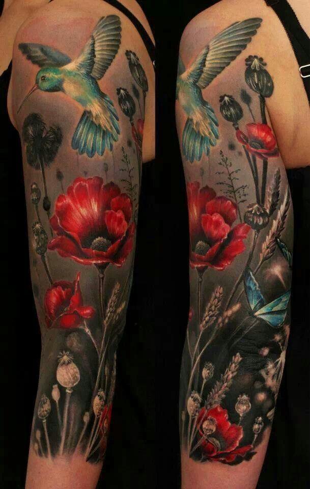 Tattoos Von Danja Gisler Mohnblumen Tattoo Oberarm Tattoo Tattoo Ideen