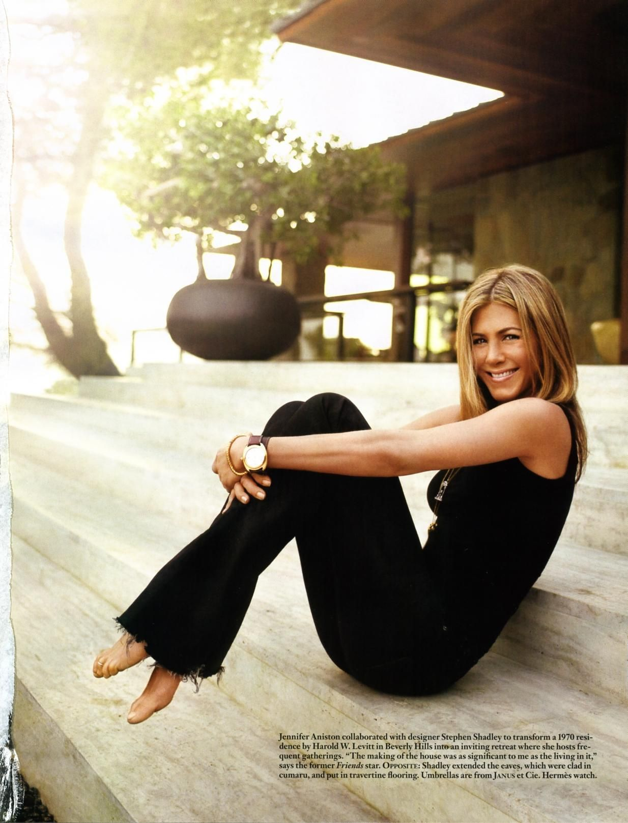 Jennifer Aniston--classic, simple, casual
