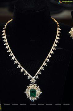 Emerald Diamond Necklace Emeralds Diamonds Kristoffjewelers