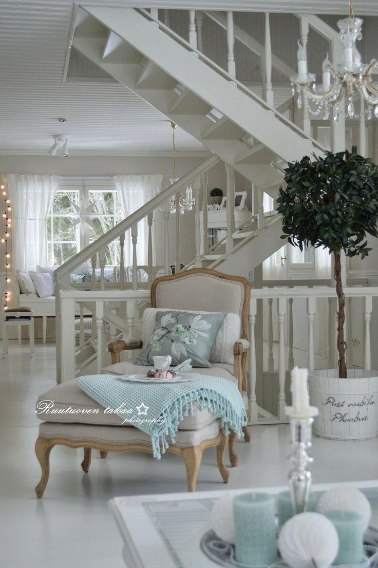 Deco Maison De Charme blanc et bleu escalier   déco maison, décoration maison et