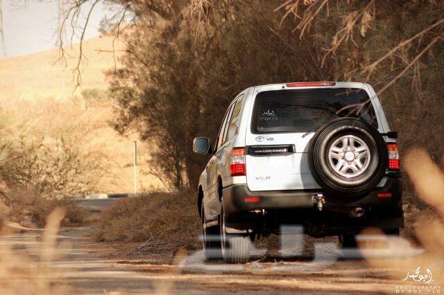 فكسار قير عادي محول هدد Car Suv Suv Car