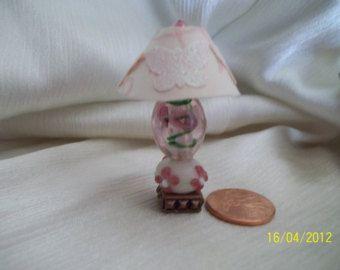 Échelle d'un pouce de lampe miniature maison de poupée rose