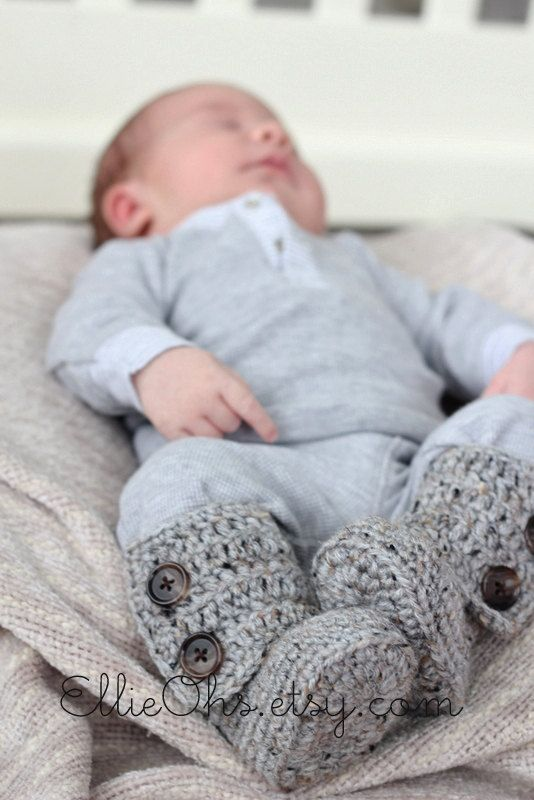 Cozy Baby Booties by EllieOhs on Etsy, $18.00