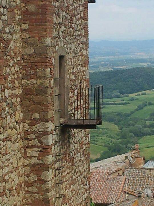 Terrazza con vista.... Montepulciano da♥   Montepulciano Hotel ...