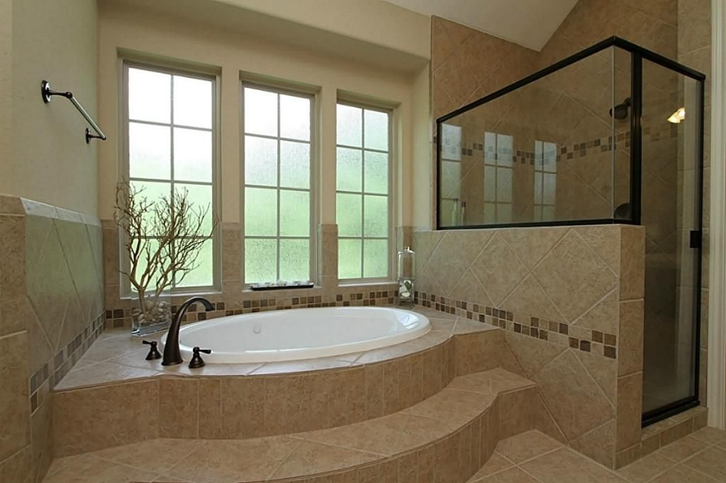 Hr3216923 20 Jpg 1024 682 House Bathroom Designs Tub Tile Bathroom Design