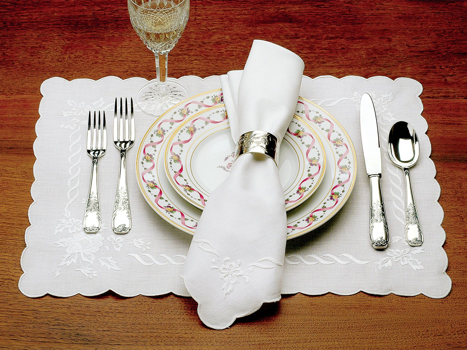 Artistico   Fine Table Linens   Incomparably Elegant Dining Is Assured When  Each Place Setting Is