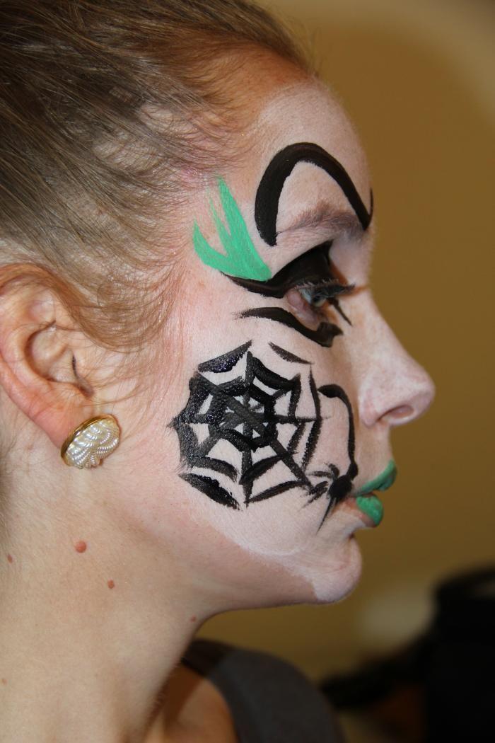 Maak Het Spinnenweb Volledig Af Teken Er Eventueel Ook Een