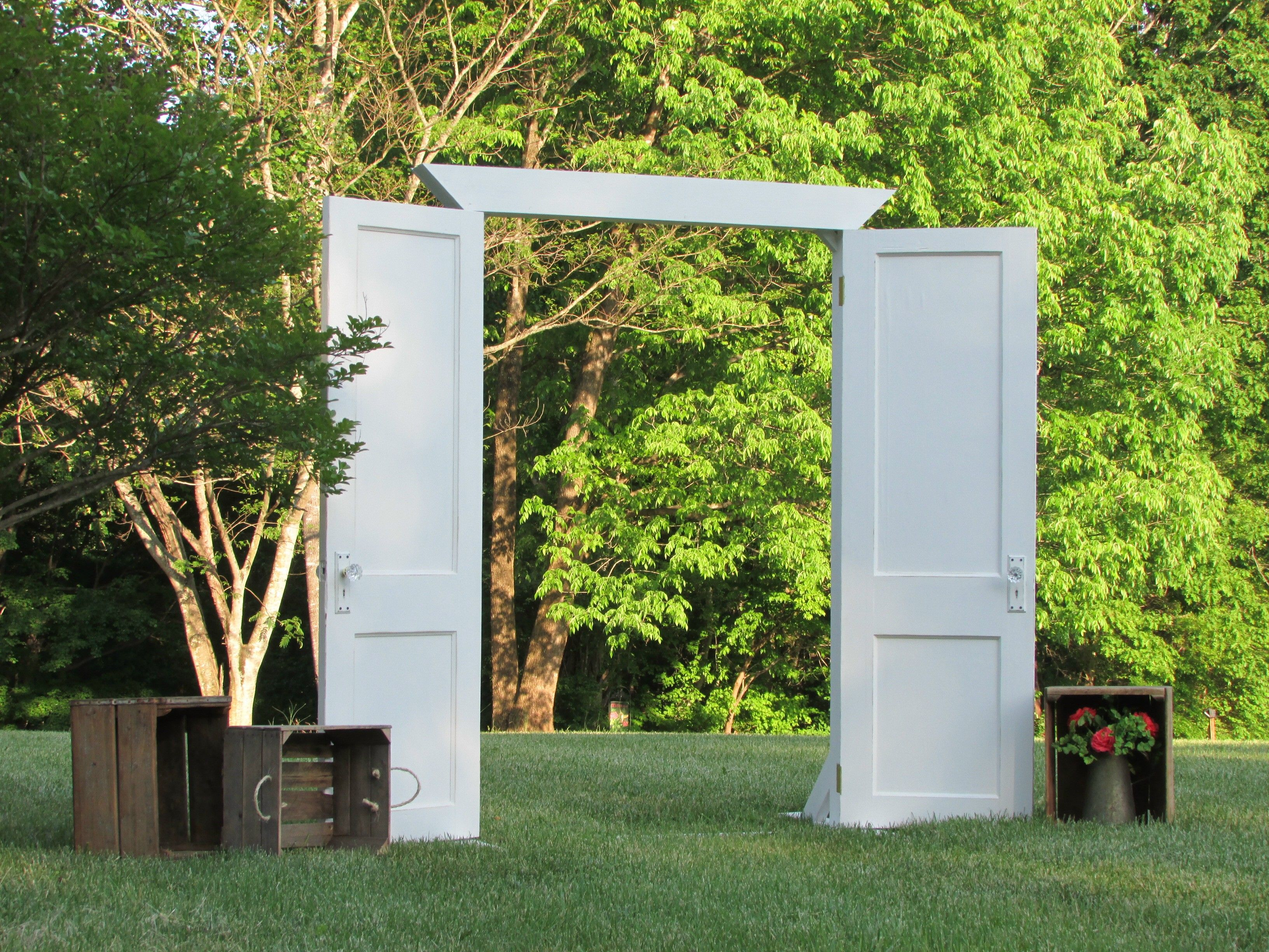 Old Freestanding Old Doors For Outdoor Wedding. Wedding