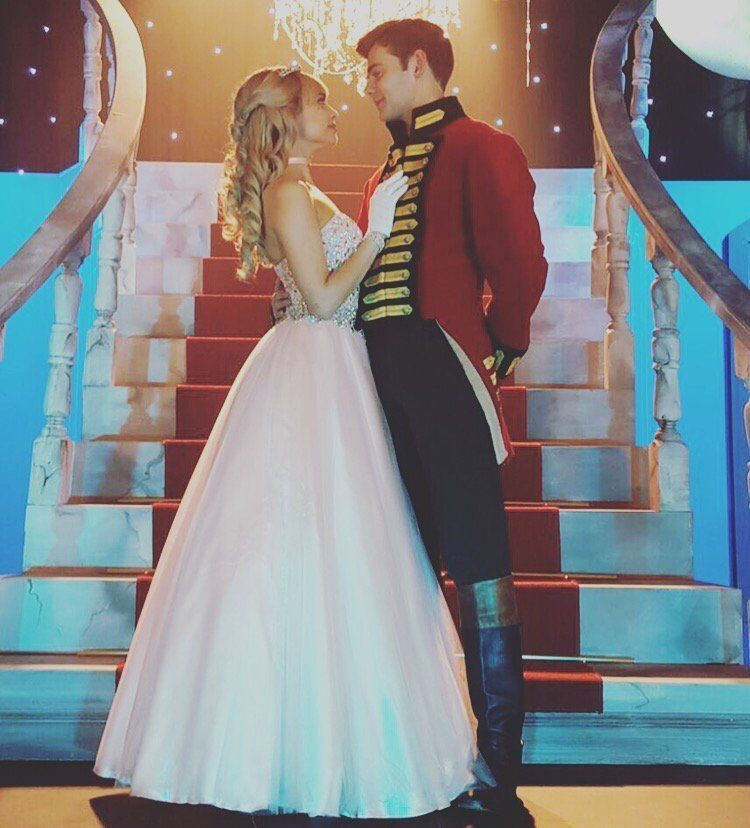 A Cinderella Story If The Shoe Fits Tessa And Reed Fanfiction