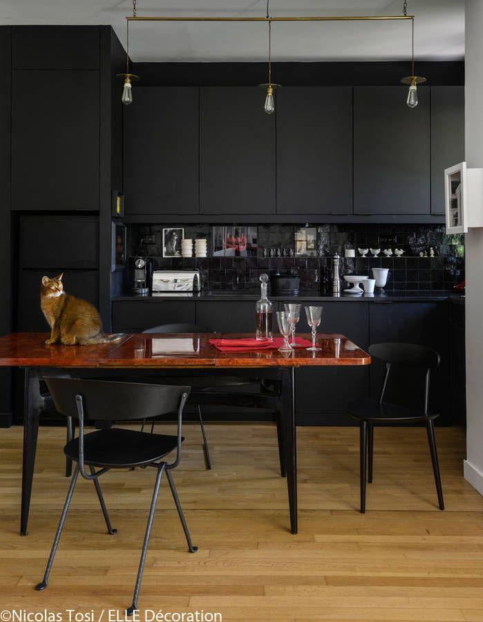 Un loft de charme près de Paris - Elle Décoration Black kitchens