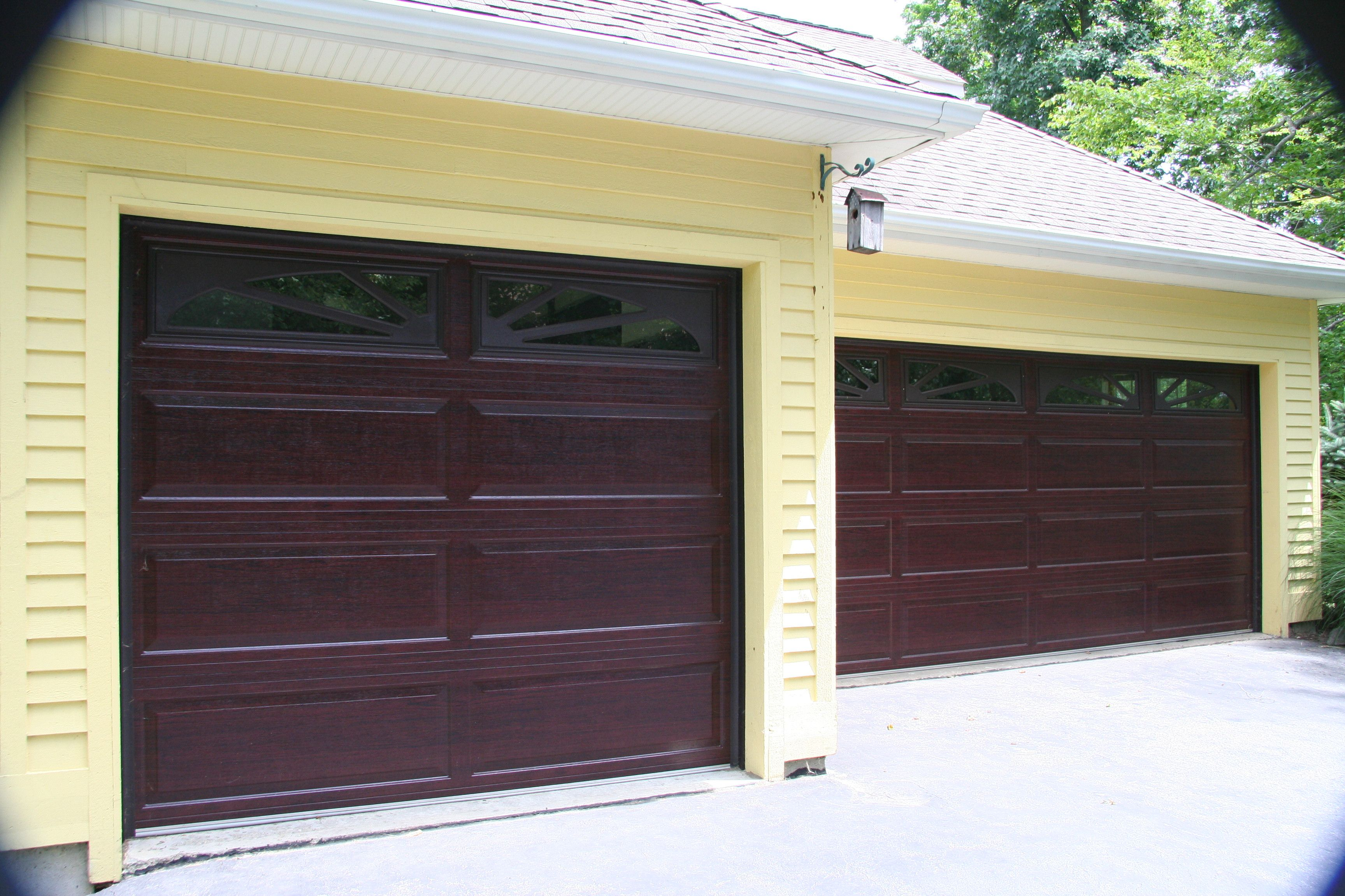 Raynor accufinish showcase cherry raynor garage doors eds garage door big rapids mi garage doors come in many shapes and sizes their functions vary from fundamental security rubansaba