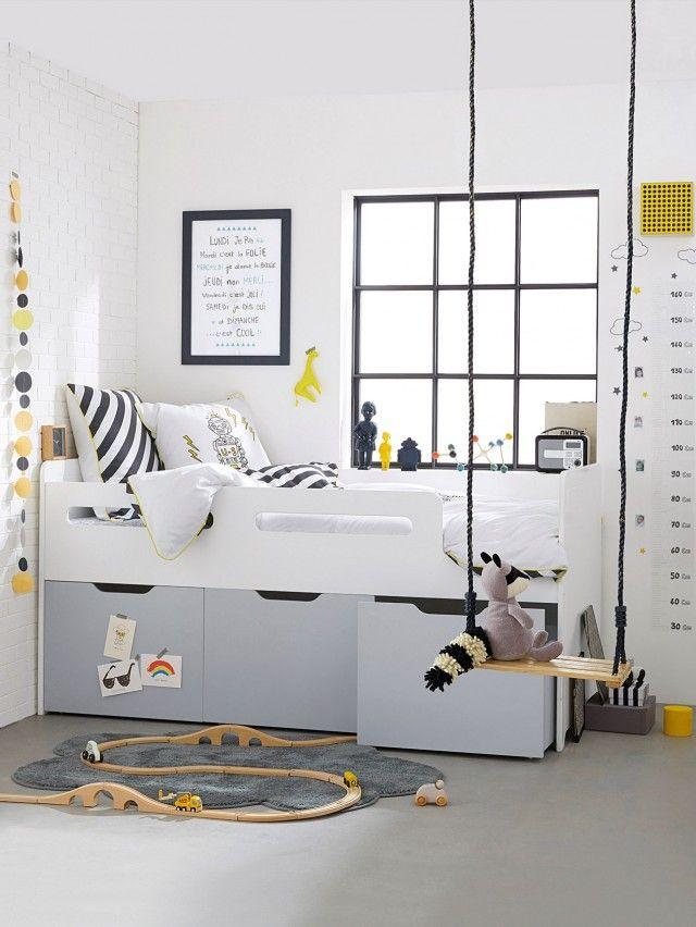 Du blanc chez les enfants chambre enfant deco chambre Idee deco chambre garcon pompier