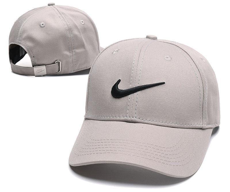 a7a6d8adfbe Men s   Women s Nike Futura Icon Logo Real Tree Camo Adjustable Baseball Hat  - Camo   Black