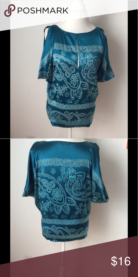 9521be208 Silk Guess by Marciano Blouse Great Guess silk blouse, it is in excellent  condition, measurements: Chest: 36-41 inches, Waist: 36-41 inches, Hip 36-39  ...