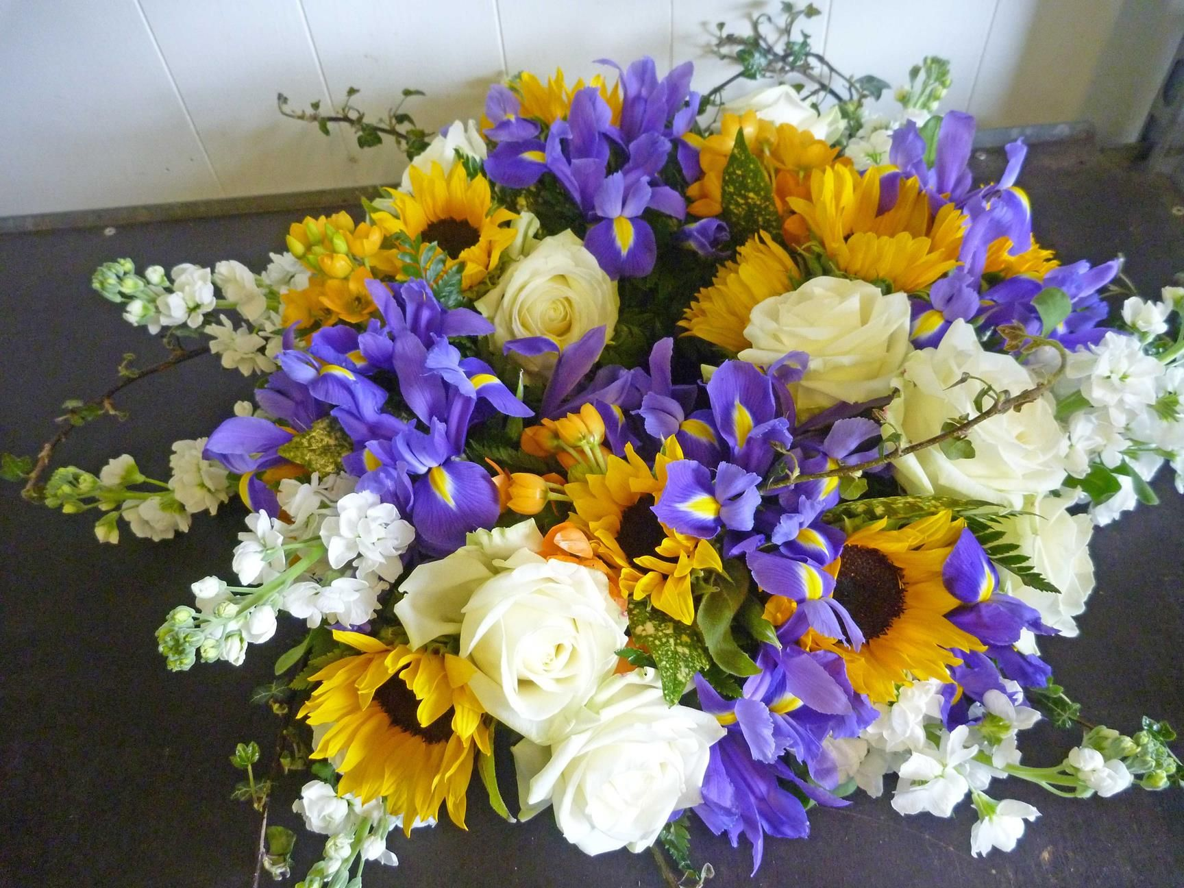 58mt White Dendrobium Orchids Sunflowers White Roses Purple Iris