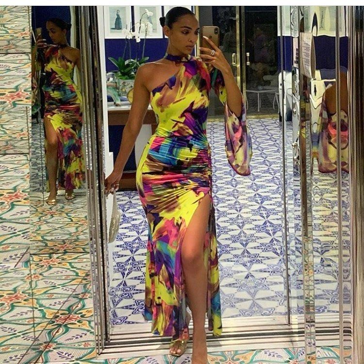 Dress available Call on0554081863  WhatsApp on0262227576  DMs are welcome