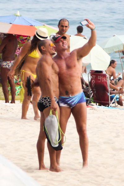 ABC Anchorman Sam Champion's Brazil Beach Honeymoon | Radar Online