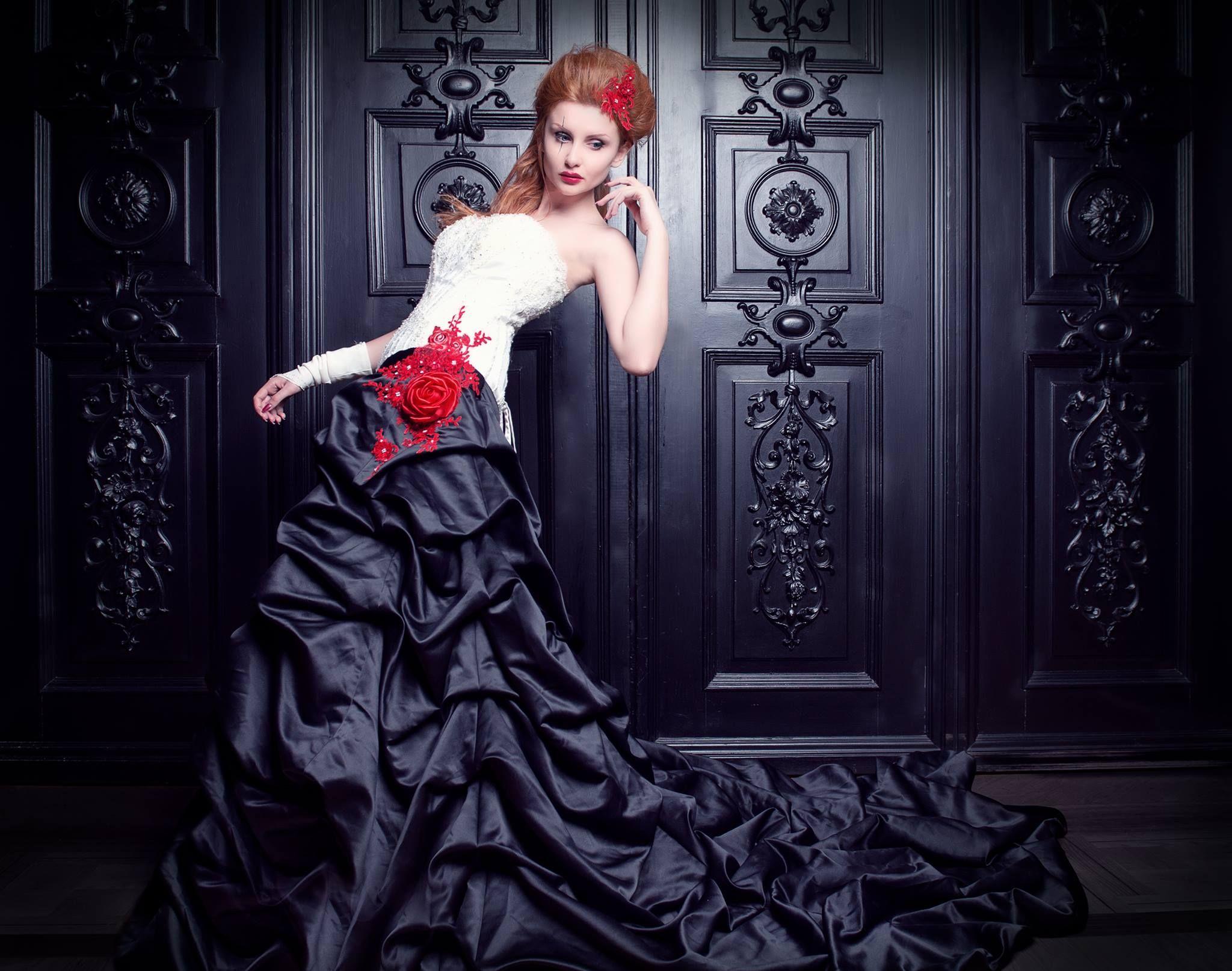 Feist Style  Feist style, Schwarze hochzeitskleider, Brautkleid