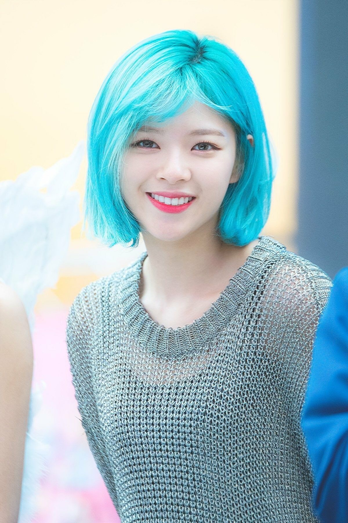 Pin By George Dianders On Twice Short Hair Styles Blue Hair Kpop Girl Groups