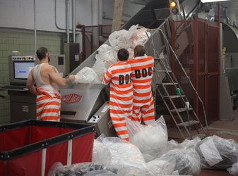 I do like the Rikers Island inmates' jumpsuits. #trend2013 #fashion