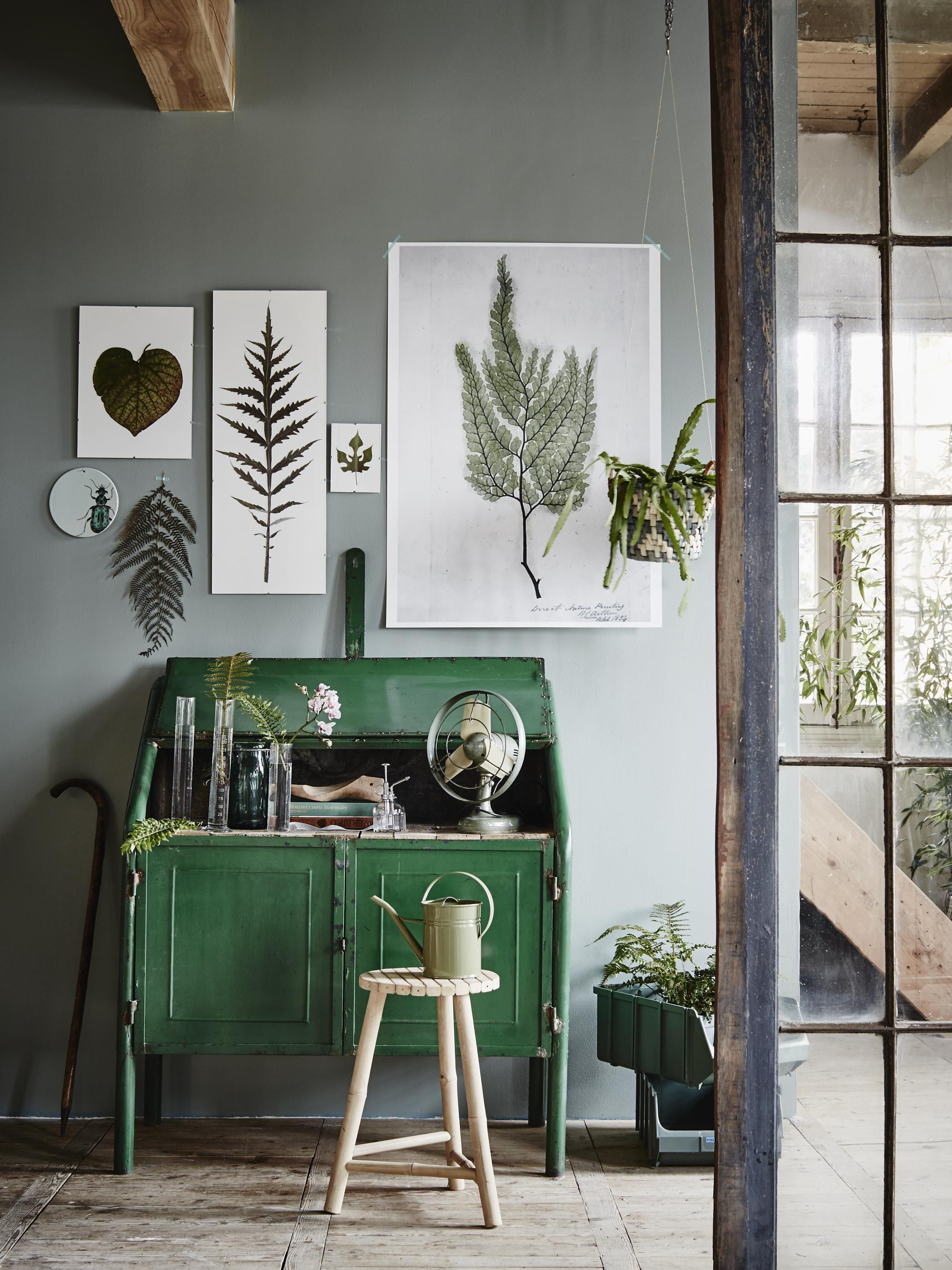 Die Dunkelgrüne Kommode Mit Lack Streichen U0026 Die Wand In Diesem Tollen Grau.  Schon Ist´s Fertig! #KOLORAT #Wohnideen #Grau #Grün