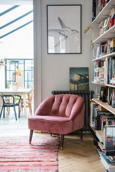 Margot Sessel aus Samt in Altrosa Bequemer Sessel fürs Wohnzimmer