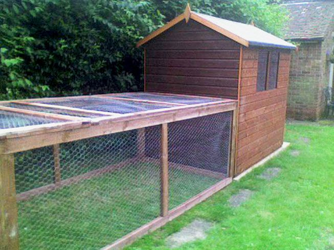 Rabbit homes hutches for indoors large accommodation for Outdoor rabbit enclosure ideas