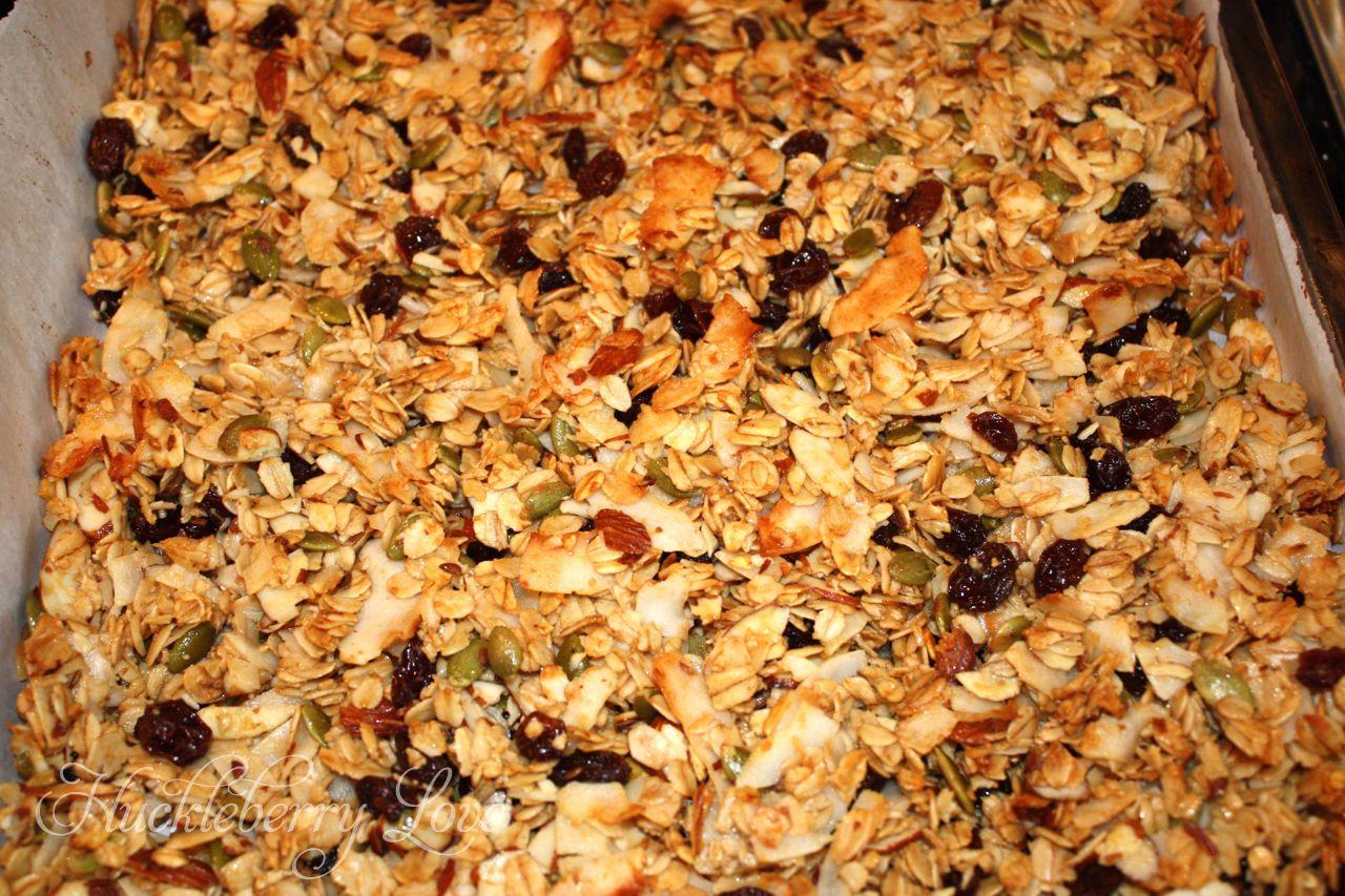 Huckleberry Love: Nanna's Granola {Recipe}