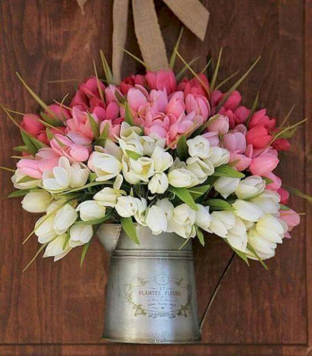 Inspiring 40+ Stunning and Easy DIY Tulip Arrangement Ideas https://decoor.net/40-stunning-and-easy-diy-tulip-arrangement-ideas-346/