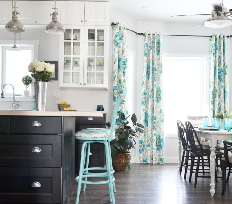 голубые шторы фото для кухни