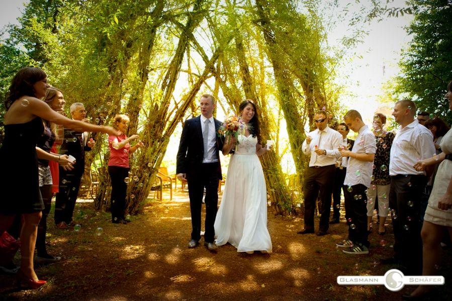 Sarah & Dirk – summer wedding in Saarland www.glasmannschaefer.de