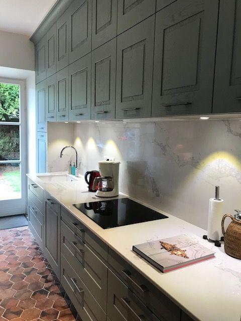 cuisine ch ne bleu arthur bonnet mod le po sie plan de travail quartz pierre de plan cuisine. Black Bedroom Furniture Sets. Home Design Ideas