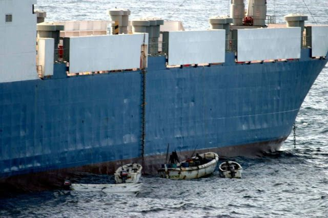 Кто победил сомалийских пиратов? (4 фото) | Pirates ...