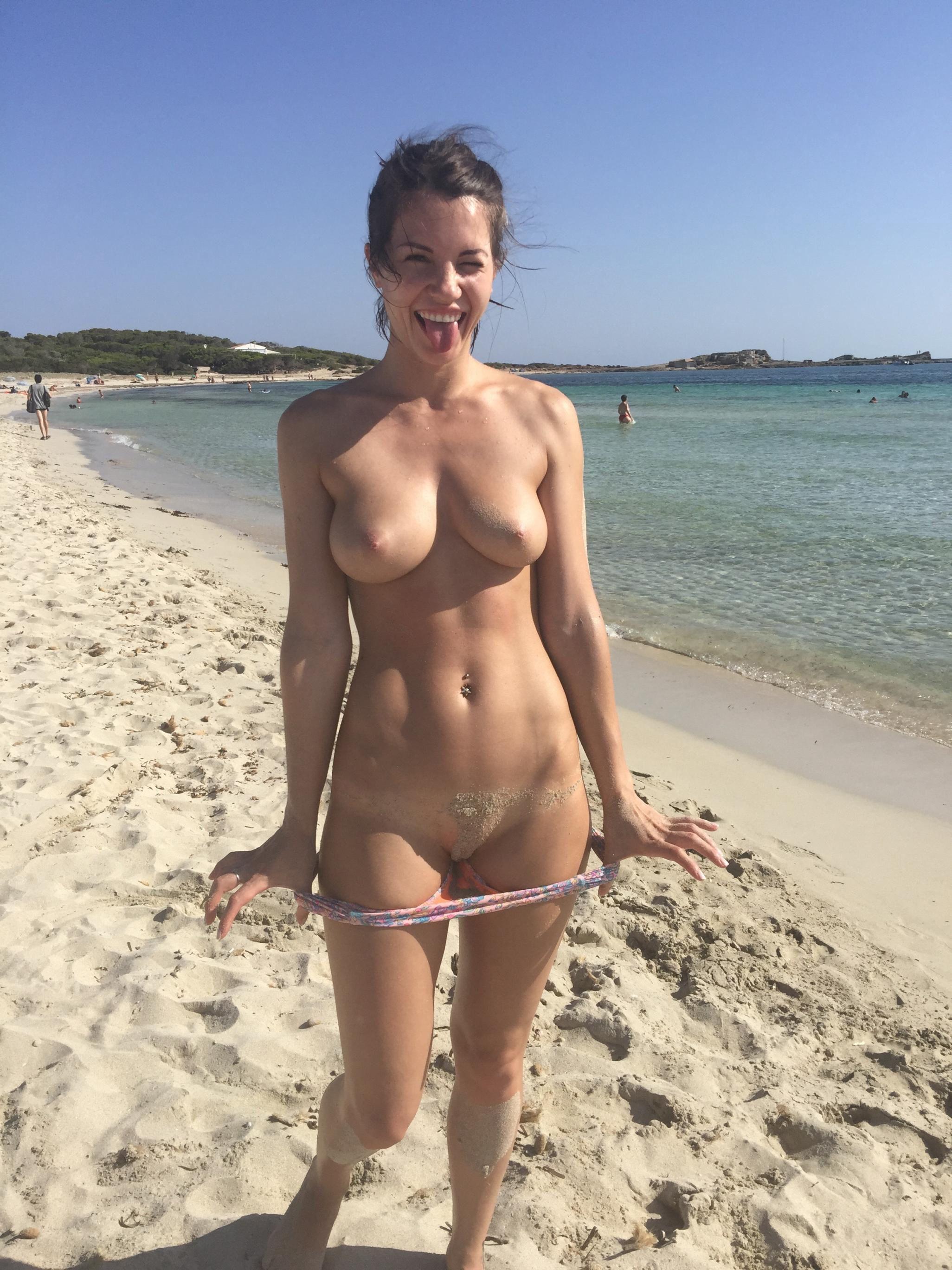 glamour beach Voyeur