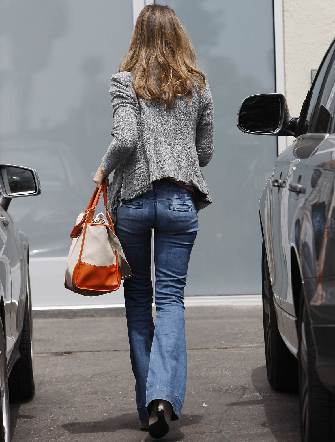 Pictures of jessica albas butt crack — pic 3